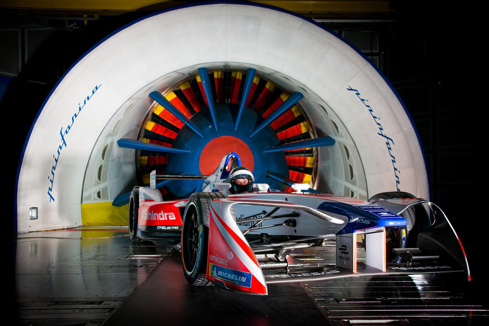 Spacesuit-Media-Marta-Rovatti-Studihrad-FIA-Formula-E-Mahindra-2018MGR_4661