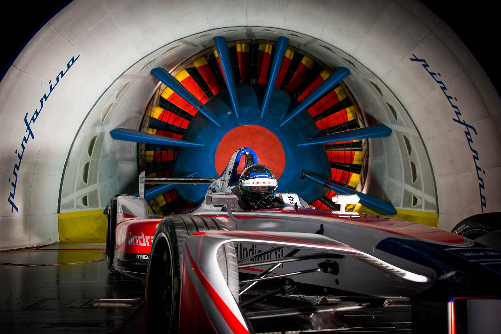 Spacesuit-Media-Marta-Rovatti-Studihrad-FIA-Formula-E-Mahindra-2018MGR_4685