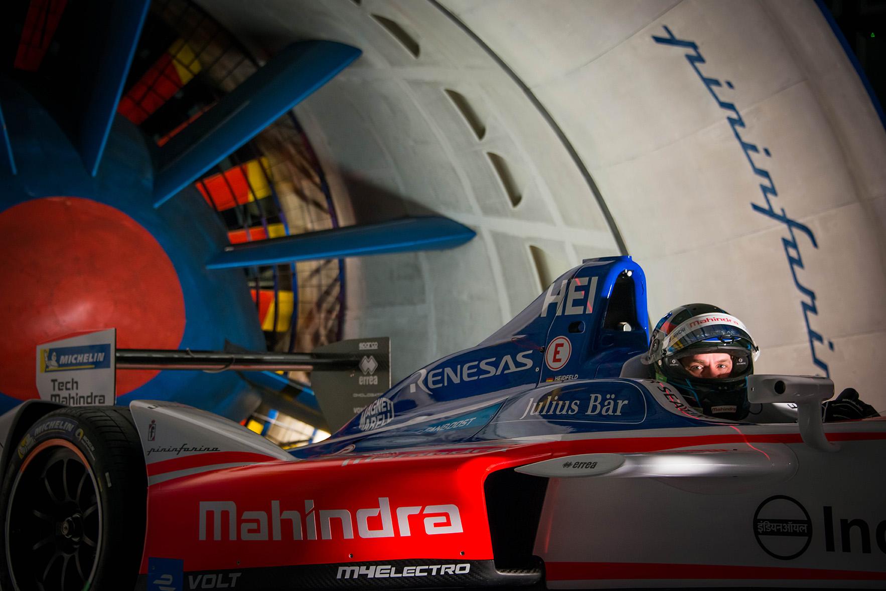 Spacesuit-Media-Marta-Rovatti-Studihrad-FIA-Formula-E-Mahindra-2018MGR_4710