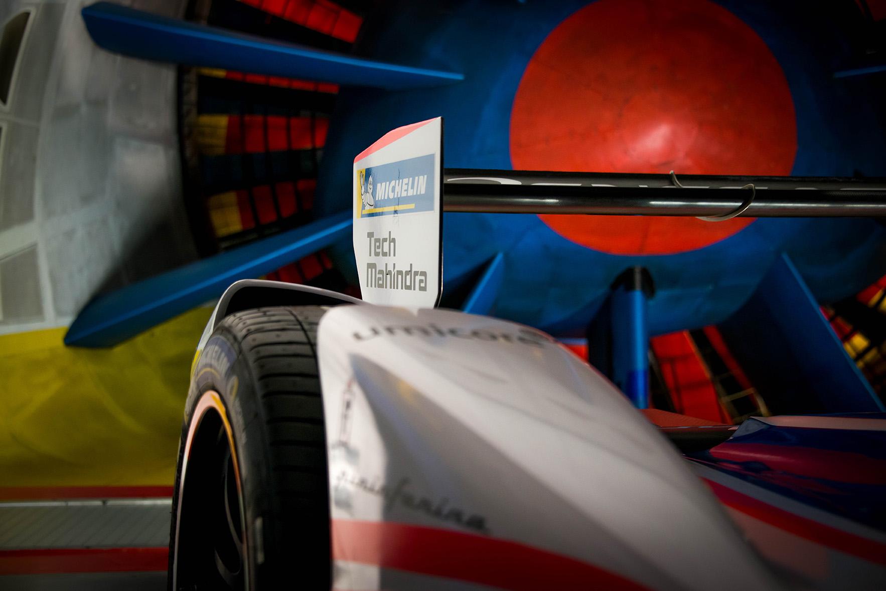 Spacesuit-Media-Marta-Rovatti-Studihrad-FIA-Formula-E-Mahindra-2018MGR_4733