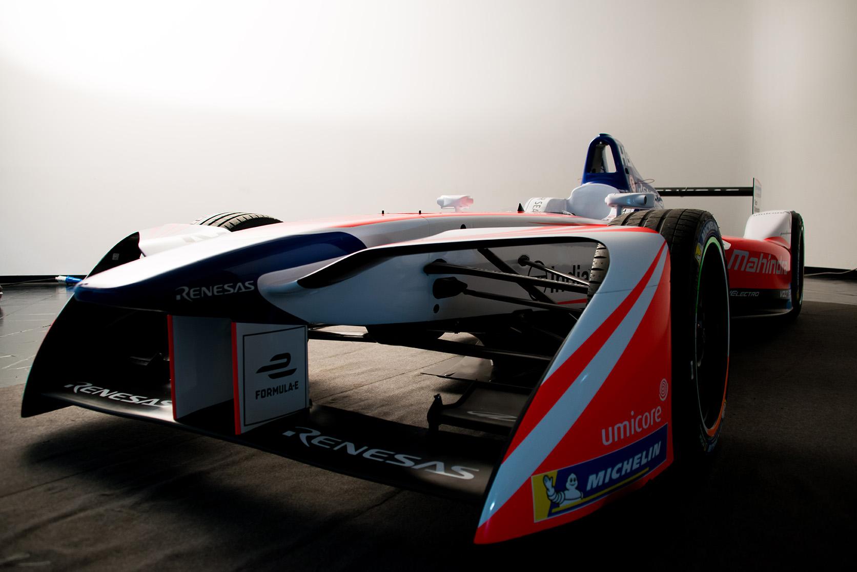 Spacesuit-Media-Marta-Rovatti-Studihrad-FIA-Formula-E-Mahindra-2018MGR_4867