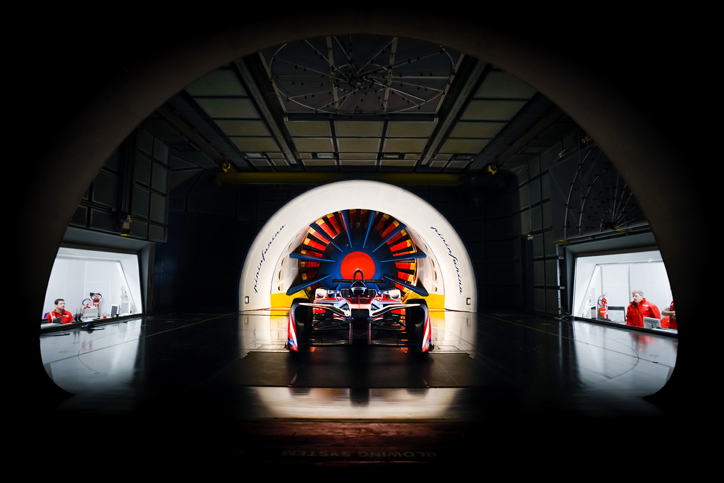 Spacesuit-Media-Marta-Rovatti-Studihrad-FIA-Formula-E-Mahindra-2018_MRS6938