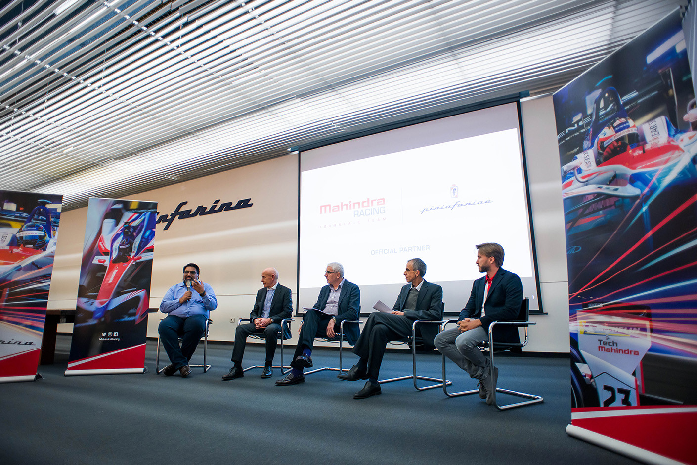 Spacesuit-Media-Marta-Rovatti-Studihrad-FIA-Formula-E-Mahindra-2018_MRS7088